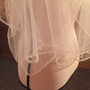 Allure bridal veil with pearls and rhinestones